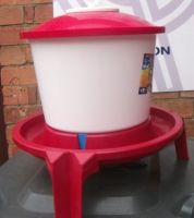6 Litre EASY FILL CHICKEN DRINKER.